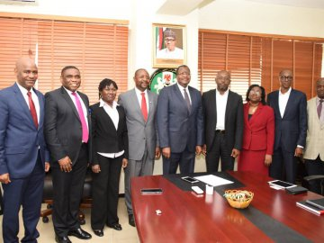 L-R: Chief of Staff to EVC, Usman Malah, Director Public Affairs Department Tony Ojobo; Director Licensing and Authorization Funlola Akiode; ECSM Stakeholder Management Sunday Dare; EVC, Prof. U.G Danbatta;, ; Mr. Boye Olusanya, Chief Executive Offic